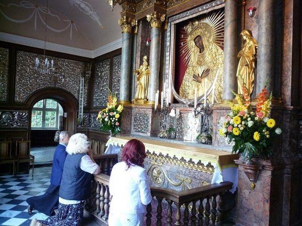 """Икона """"Остробрамская"""": как молиться"""