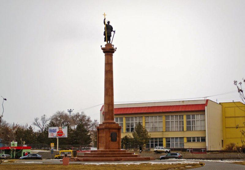 Памятник святому великомученику Димитрию Солунскому в г. Камышине