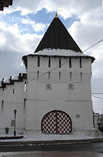Towers of Spaso-Preobrazhensky Monastery (Uglicheskaya).jpg