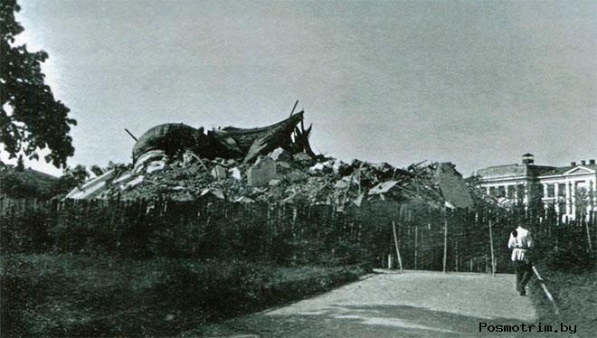 Останки взорванного Екатерининского собора. Царское село. 1939 год.