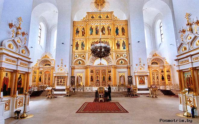 Величественные интерьеры Екатерининского собора в Пушкине.
