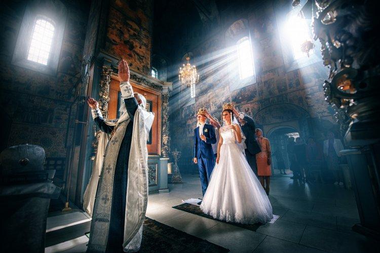 Красивая церемония венчания