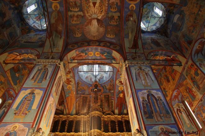 Интерьер Воскресенского собора Тутаев