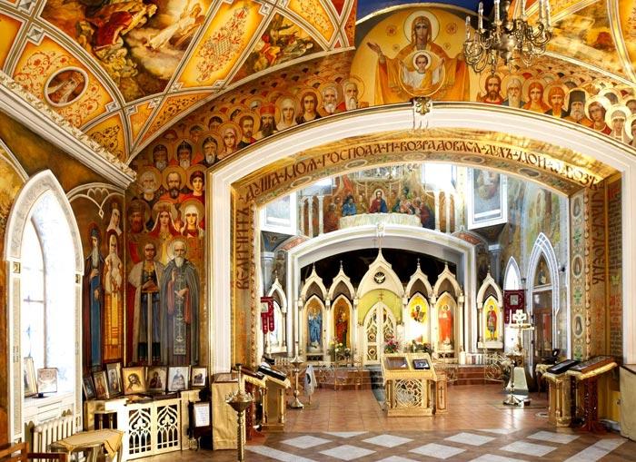 Внутреннее оформление Храма Всех Святых
