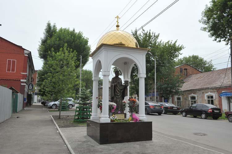 Памятник свт. Николаю Чудотворцу на ул. Чкаловская г. Самары