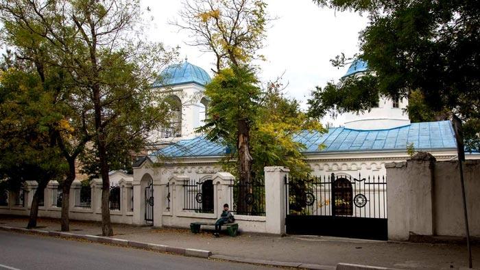 Ограждение территории Введенского храма