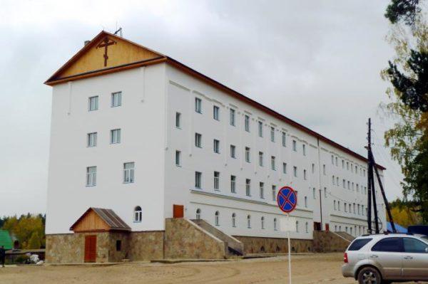 Cреднеуральский женский монастырь -школа