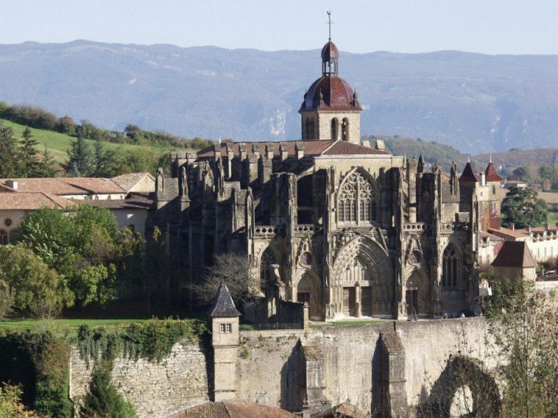 Центр ордена антонитов, аббатство Сент-Антуан-л'Аббеи, Франция