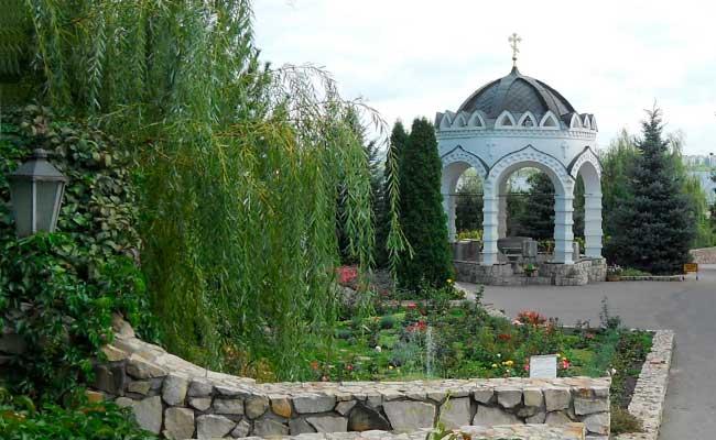 Алексеево-Акатов монастырь: водосвятная часовня