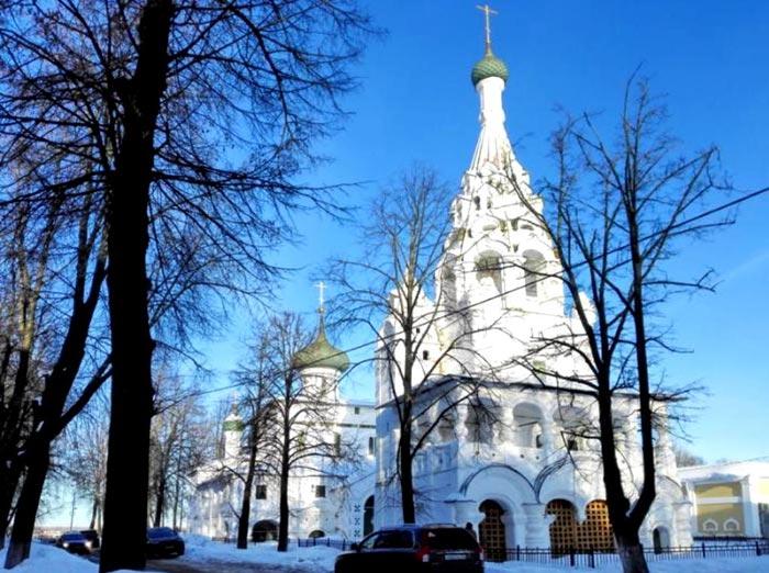 Колокольня храма Рождества Христова