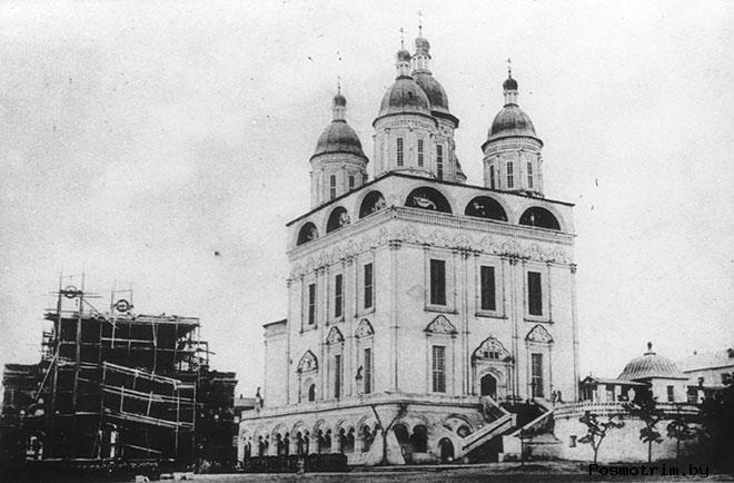 Строительство Астраханского Успенского собора
