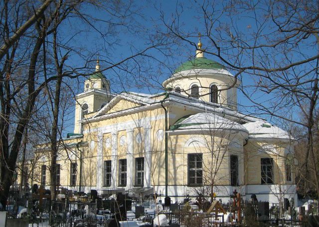 Даниловское кладбище, храм Сошествия Святого Духа