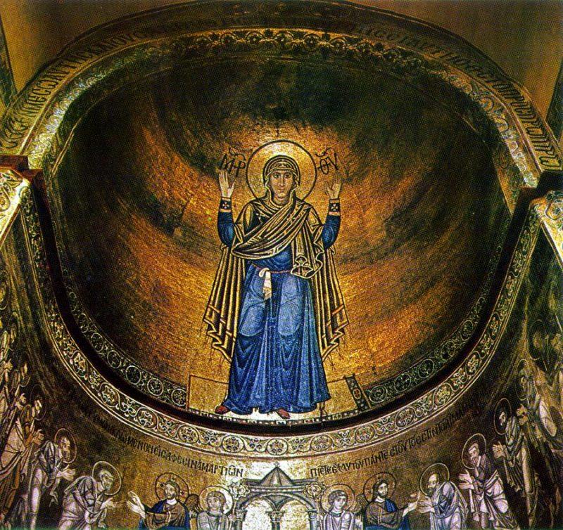 Одно из самых распространенных изображений Богоматери Оранты находится в Киеве, в Софийском соборе. Икона получила название «Нерушимая стена», потому что сохранилась неповрежденной на протяжении всей трудной истории Киева