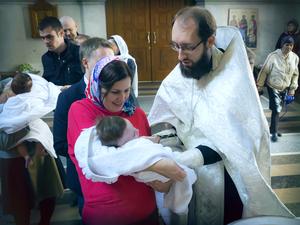 Кого выбирать в крестные ребенка