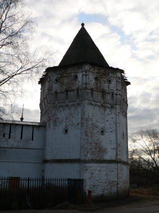 Николо-Пешношский монастырь в Луговом, башня