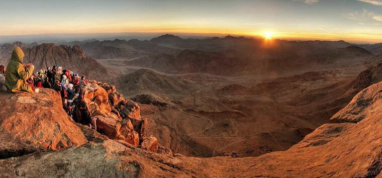 Восход Солнца на горе Синай