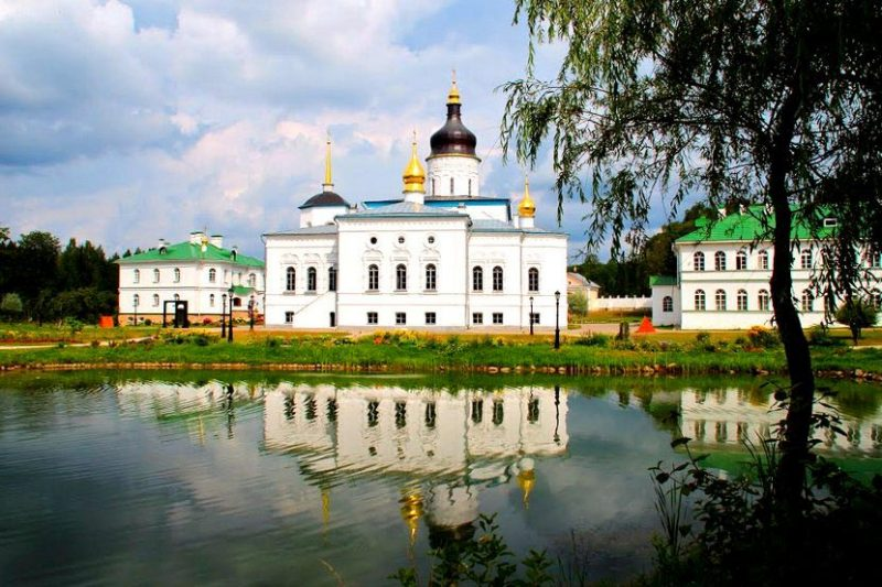 Спасо-Елеазаровский монастырь в Псковской области